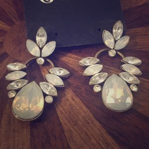 Jewelry - Crystal and light blue earrings